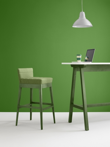 Lyndon presents a dynamic alternative to workplace seating